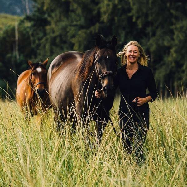 The story of my connection with horses –  by Debra-Leigh Möhle